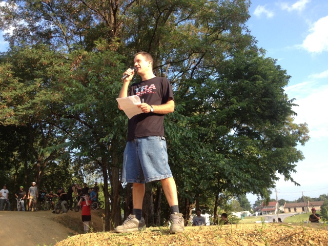 TRA founder and event organizer Mike Gentilcore announced all 4 contests and kept the crowd psyched on the action.